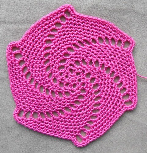 lace spiral coaster